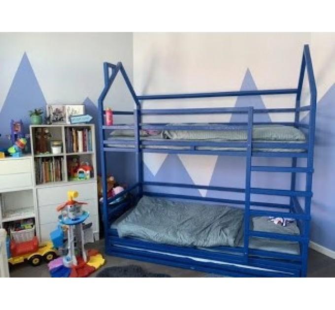 Двухъярусная кровать Три Пингвина на три спальных места домиком