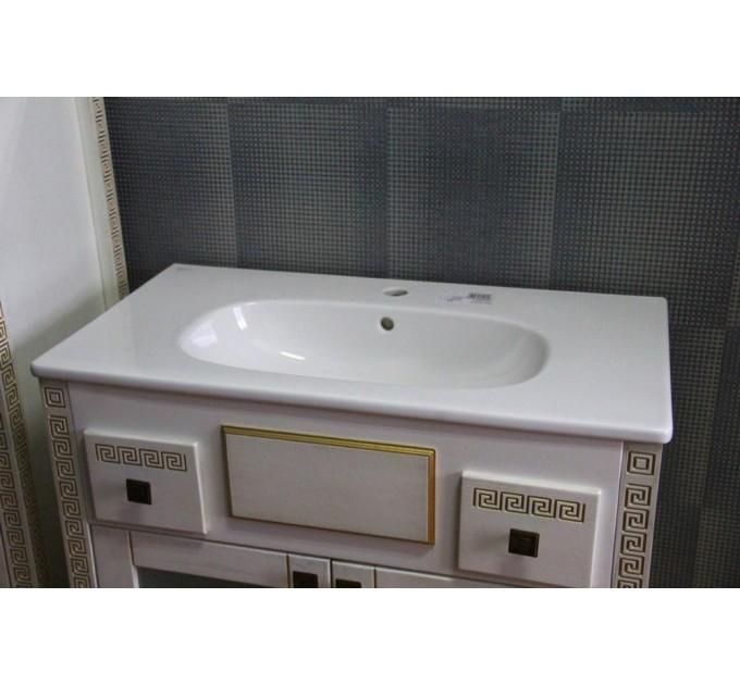 Тумба Меандр с золотой патиной в ванную